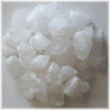 Bergkristall Rohstein Dekosteine 1 Kg. Edelsteine zur Herstellung von Edelsteinwasser und zur Dekoration von Schalen, Lampen Zimmerbrunnen. Naturbelassene unbehandelte Kristalle aus Bergkristall. Energie- und Heilstein