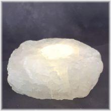 Bergkristall Stein Kerzenhalter | Sehr dekorativer Kristall Teelichthalter aus einem rohen Bergkristall Brocken | Entspannung pur beim Kerzenlicht