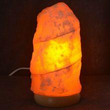 Orangencalcit Stein Lampe   Schöne Edelsteinlampe aus einem gelb-orangen Naturstein   Edelstein-Leuchte mit Holzsockel   warmes dekoratives Stimmungslicht