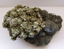 Markasit auf Schalenblende - Edelstein Mineral aus Belgien